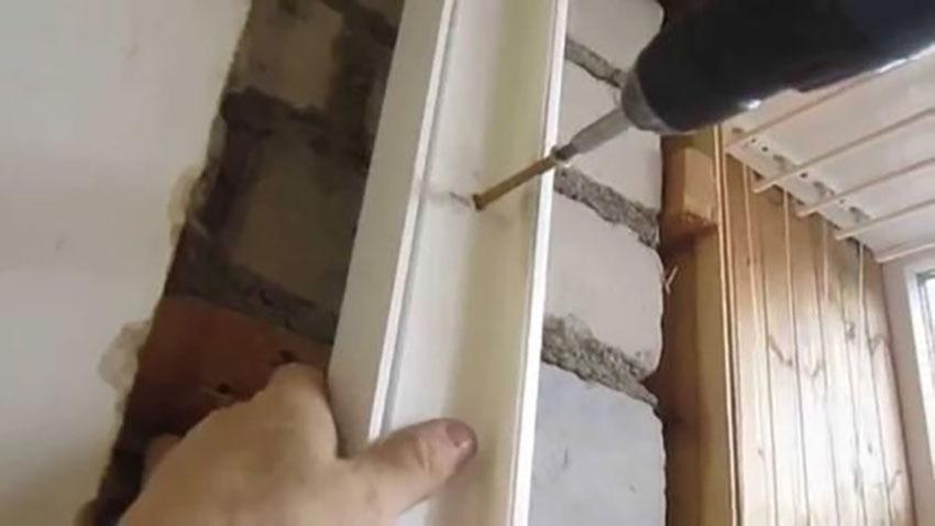 Как установить пластиковую дверь на балкон своими руками 5